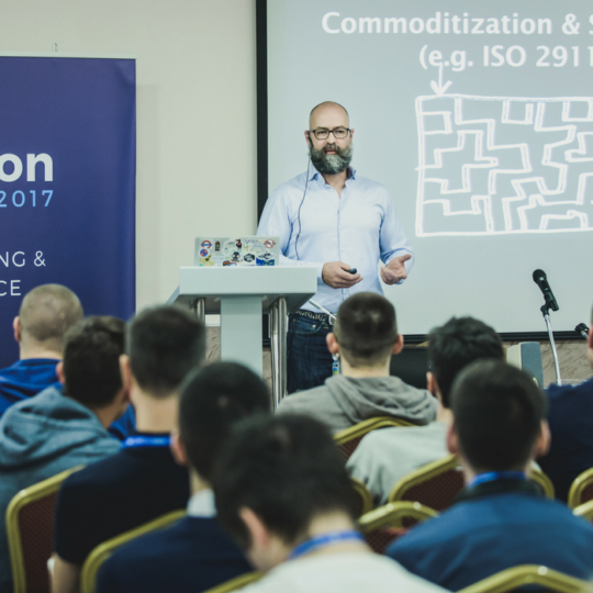 https://devopspro.ru/2017/wp-content/uploads/2015/12/MOSCOW-2018-1-1-540x540.png